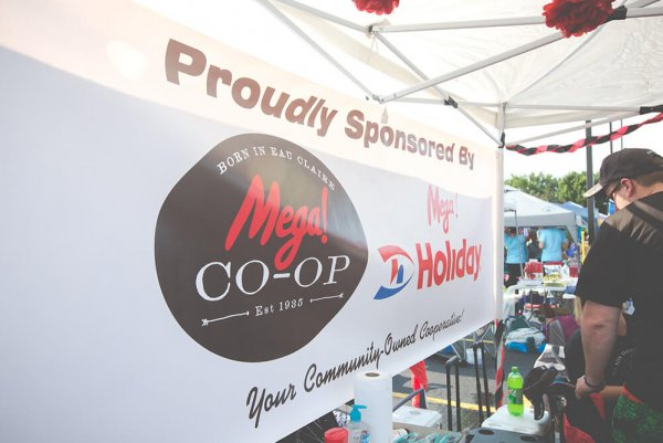 Mega! Co-op Team Competes in Mayo Clinic Health System Dragon Boat Festival to Support Hospice Services